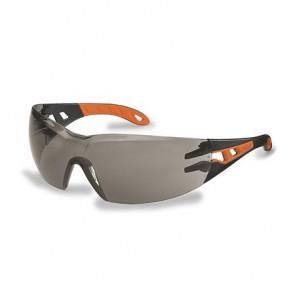 """Védőszeműveg, füstszínű lencse, UVEX, """"Pheos"""" narancs-fekete szár"""